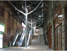 New steps, escalators and canopy at Edinburgh  Waverley Station