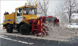 Snow blower clearing the westbound lane on the A96 east of Keith